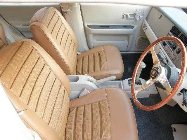 4WD ジョルジェット 70レザーシート張替(2枚目)