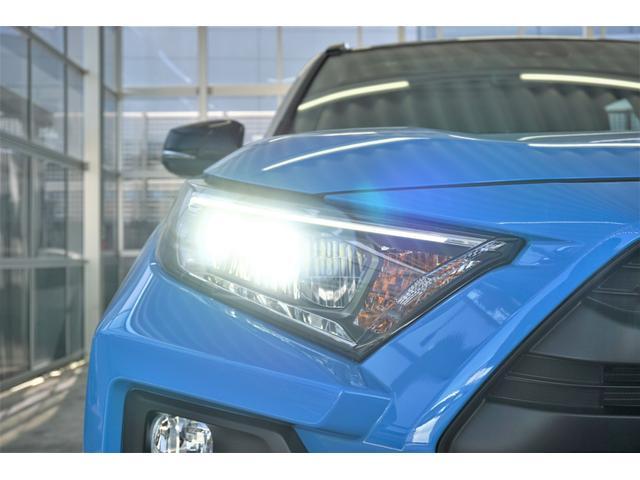 LEDヘッドライトは省電力化やバルブ寿命の向上が期待され、また点灯した瞬間からMAXの光量を発揮することができるというメリットもあります。