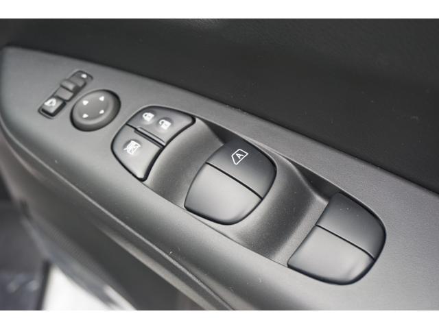 X 登録済未使用車 BSW衝突軽減ブレーキ・クリアランスソナー・オートクルーズ・プッシュスタート・スマートキー・ウインカードアミラーLEDテール・アイドリングストップ・両側スライド(22枚目)