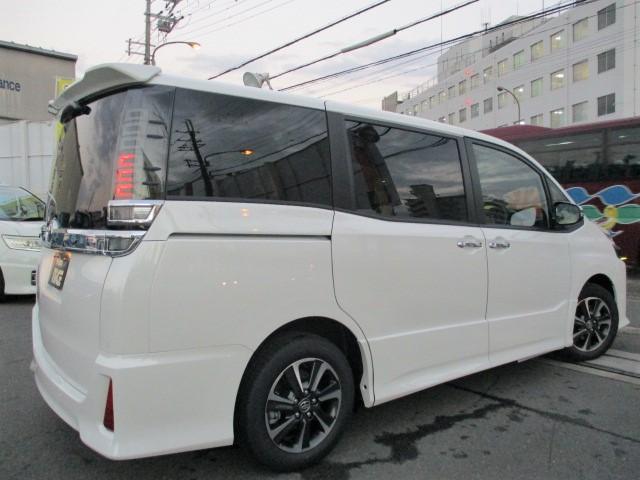 ZS 煌III 新車 トヨタセーフティセンス・クリアランスソナー・レーンキープ・LEDヘッド・オートハイビーム・USBソケット・ナノイー搭載・ハーフレザーシート・両側パワスラ・オートクルーズ(10枚目)