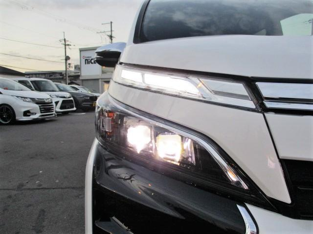 ZS 煌III 新車 トヨタセーフティセンス・クリアランスソナー・レーンキープ・LEDヘッド・オートハイビーム・USBソケット・ナノイー搭載・ハーフレザーシート・両側パワスラ・オートクルーズ(11枚目)