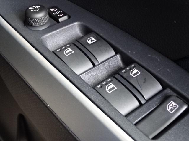カスタムG 新車・安全ブレーキ・ソナー・クルコン・シートヒーター・両側パワスラ・スマートキー・LEDヘッド・電動パーキングブレーキ・シートバックテーブル・アイドリングストップ14AW(23枚目)