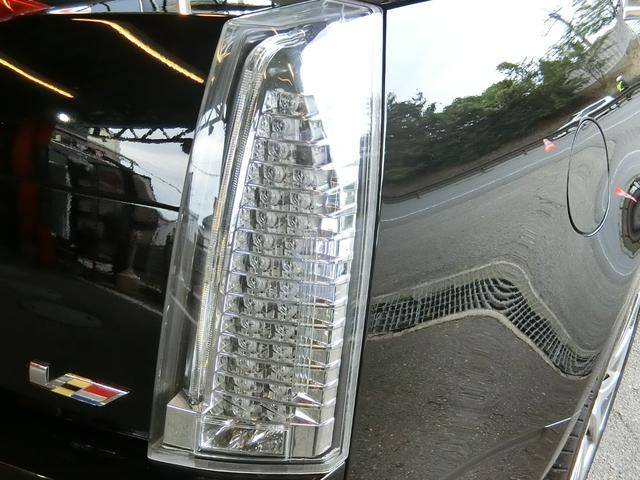 CTS-Vプレミアム 正規ディーラー車 V8 6200cc スーパーチャージャー 564馬力 純正RECARO製パワーシート 純正ナビ/地デジFセグTV/バックカメラ(20枚目)