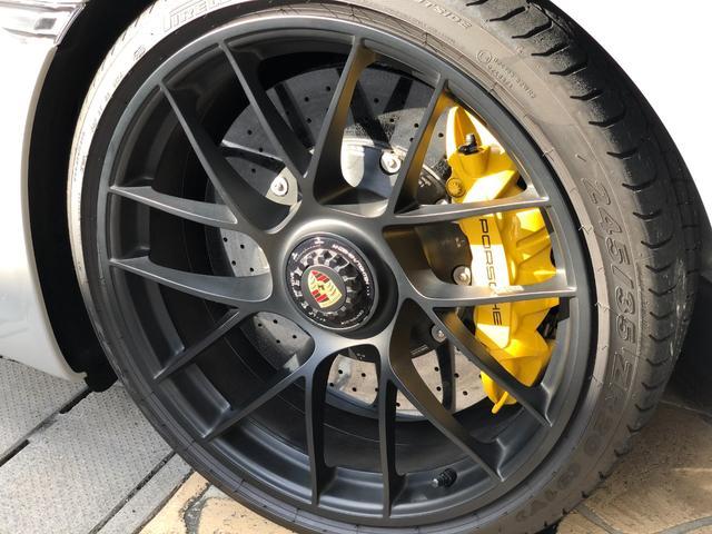 911カレラGTS 左ハンドル PCCBセラミックブレーキ スポーツクロノPKG アダプティブスポーツシート・スポーツシートプラス(18ウェイ) インテリアライトPKG PASM 20インチアルミ Fバンパーフィルム(19枚目)