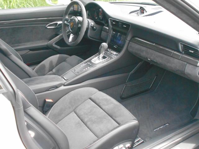911カレラGTS 左ハンドル PCCBセラミックブレーキ スポーツクロノPKG アダプティブスポーツシート・スポーツシートプラス(18ウェイ) インテリアライトPKG PASM 20インチアルミ Fバンパーフィルム(35枚目)