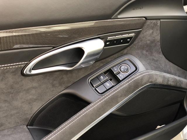 911カレラGTS 左ハンドル PCCBセラミックブレーキ スポーツクロノPKG アダプティブスポーツシート・スポーツシートプラス(18ウェイ) インテリアライトPKG PASM 20インチアルミ Fバンパーフィルム(36枚目)
