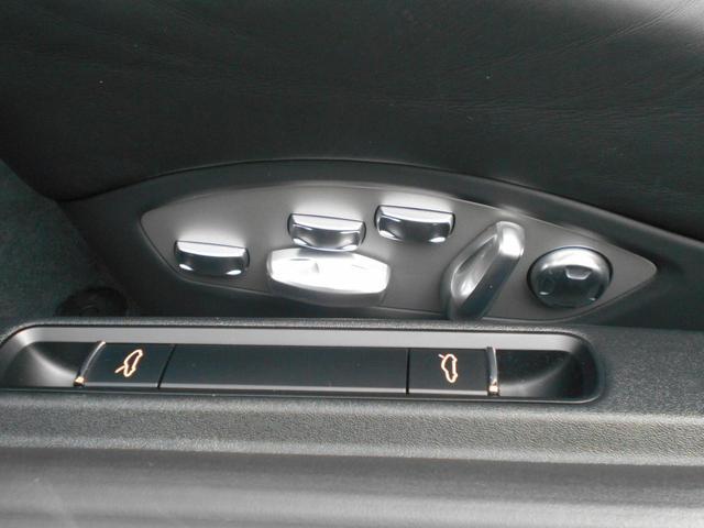 911カレラGTS 左ハンドル PCCBセラミックブレーキ スポーツクロノPKG アダプティブスポーツシート・スポーツシートプラス(18ウェイ) インテリアライトPKG PASM 20インチアルミ Fバンパーフィルム(40枚目)