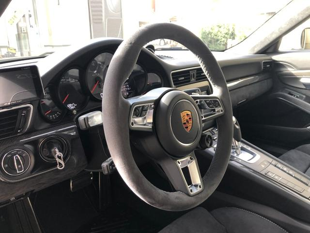 911カレラGTS 左ハンドル PCCBセラミックブレーキ スポーツクロノPKG アダプティブスポーツシート・スポーツシートプラス(18ウェイ) インテリアライトPKG PASM 20インチアルミ Fバンパーフィルム(41枚目)