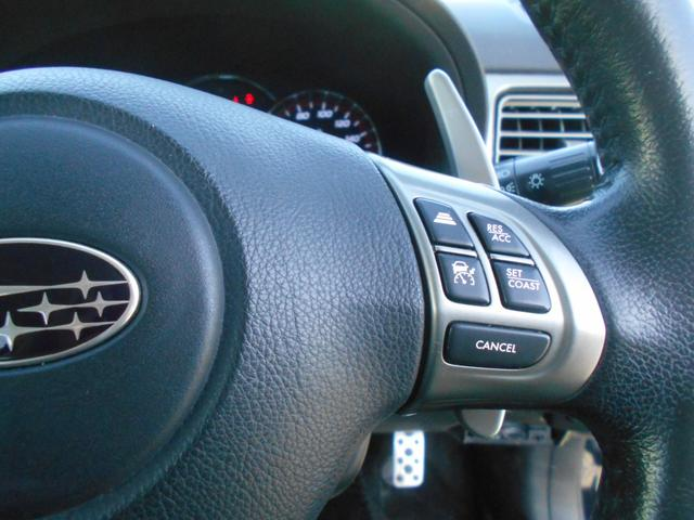 2.5iアイサイト アルカンターラセレクション 4WD SDナビ リアカメラ フルセグ スマートキー HIDヘッドライト ガラスルーフ Bluetooth USB ETC(26枚目)