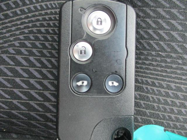 Z HDDナビ リアカメラ 地デジ スマートキー HIDヘッドライト 両側パワースライドドア サンルーフ 社外アルミ ETC(35枚目)