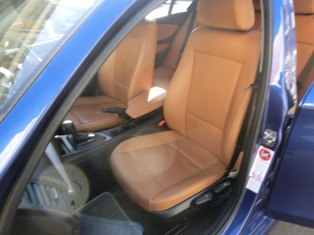 助手席も広々としていて、同乗者の方もストレスなく車に乗れます!