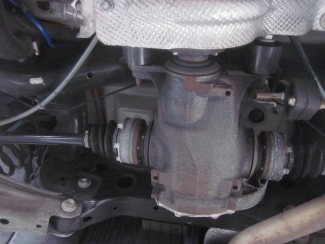 タイヤも静寂性を求めるためにランフラットからラジアルタイヤに変えております!まだまだタイヤに山があり、新しいです!