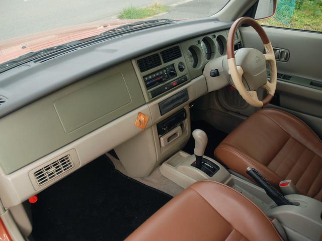 フォルザ オリジナルレザーシート 背面タイヤカバー(16枚目)