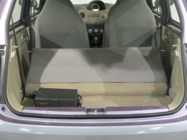 後部座席の背もたれを倒せば大きなお荷物も載せていただけます♪