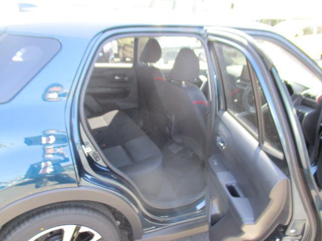 G 9インチナビ/CD/DVD/フルセグ/Bluetooth/パノラマバックカメラ/オートクルーズ/LEDヘッドランプ/シートヒーター(運転席・助手席)/キーフリー/プッシュボタンスタート/(8枚目)