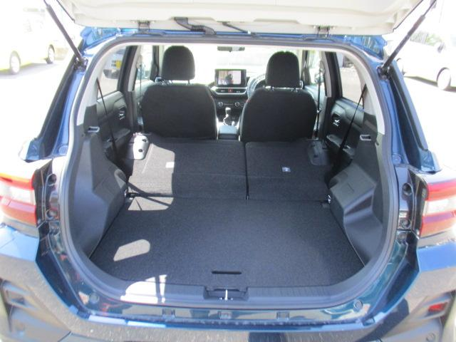 G 9インチナビ/CD/DVD/フルセグ/Bluetooth/パノラマバックカメラ/オートクルーズ/LEDヘッドランプ/シートヒーター(運転席・助手席)/キーフリー/プッシュボタンスタート/(18枚目)