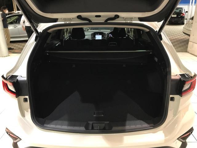 GT-H メーカーOP11.6インチナビ バックカメラ 電動リアゲート ETC 禁煙車 オートライト 横滑り防止 LEDヘッドライト 純正18インチAW(13枚目)