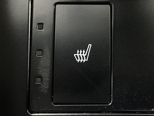 IS300h 禁煙車 Fスポーツ18インチAW 黒ハーフレザーシート メーカーSDナビ プリクラッシュセーフティ レーダークルーズコントロール LEDヘッドライト ビルトインETC パドルシフト シートヒーター(8枚目)