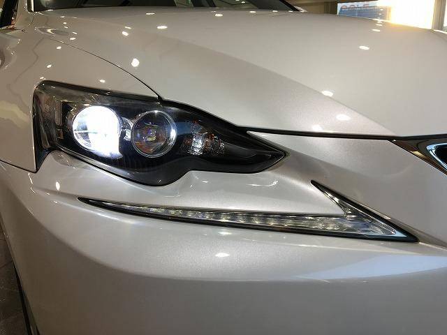 IS300h 禁煙車 Fスポーツ18インチAW 黒ハーフレザーシート メーカーSDナビ プリクラッシュセーフティ レーダークルーズコントロール LEDヘッドライト ビルトインETC パドルシフト シートヒーター(28枚目)