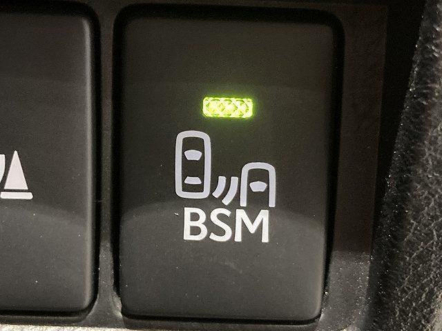 IS300h Fスポーツモードプラス 禁煙車 サンルーフ プリクラッシュS レーダークルーズ クリアランスソナー BSM LTEX合皮シート シートヒーター&エアコン パドルシフト パドルシフト 純正SDナビ バックカメラ 純正18AW(10枚目)