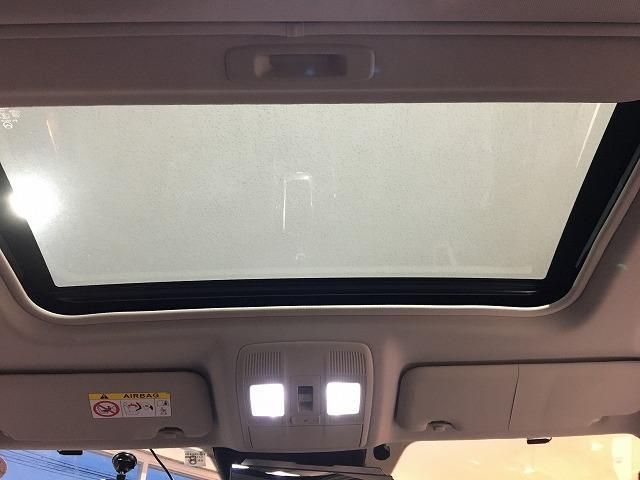 XD Lパッケージ ターボ ワンオーナー サンルーフ BOSEサウンド 黒革シート レーダークルーズ シートヒーター RVM パワーシート パドルシフト ケンウッドナビ フロント&バックカメラ 純正19インチAW(7枚目)