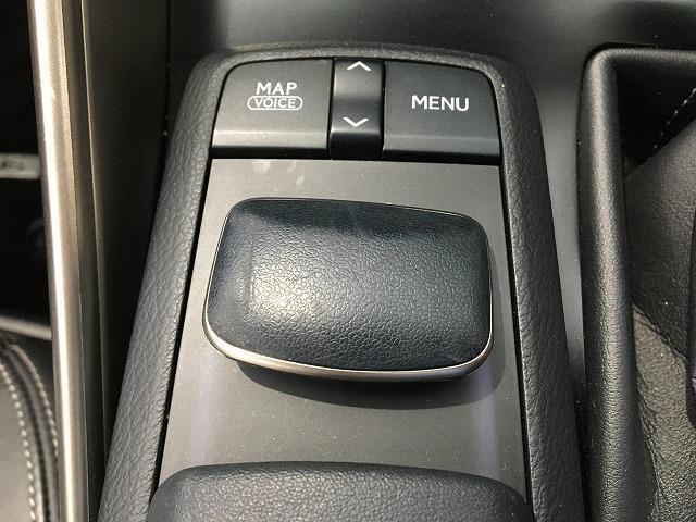 IS300h バージョンL 禁煙車 プリクラッシュS レーダークルーズ クリアランスソナー 黒本革シート シートヒーター&エアコン 電動リアサンシェード パドルシフト 純正SDナビ バックカメラ 純正18インチAW(72枚目)