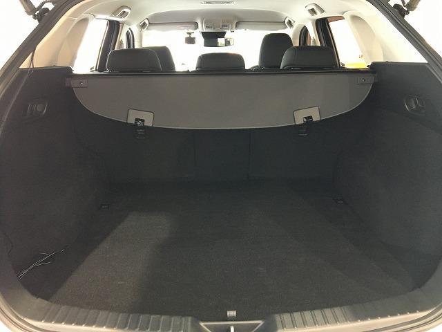 XD プロアクティブ ドライビングサポートP 禁煙 ワンオーナー レーダークルーズ コーナーセンサー 電動リアゲート パワーシート シートヒーター BSM フルセグ 純正SDナビ サイド&バックカメラ 純正17インチAW(10枚目)