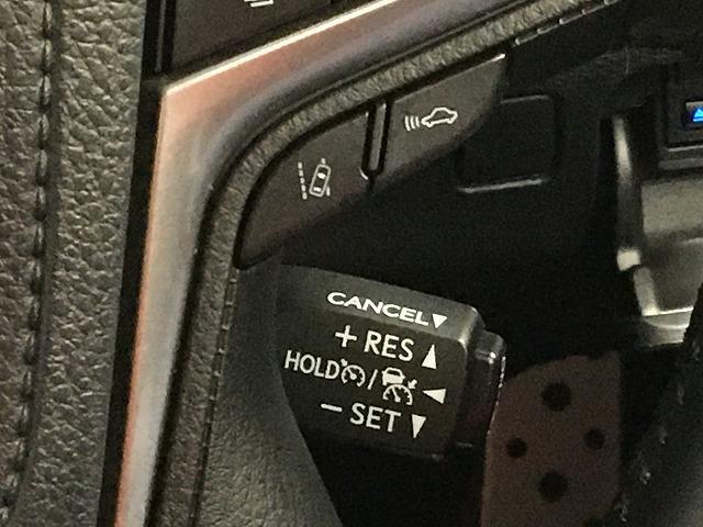 【レーダークルーズコントロール】ミリ波レーダーが車間距離を測って設定車速内で車速に比例した車間距離を保ちながら追従走行する装置で近づきすぎたときは自動でブレーキし、離れすぎたときには自動増速もします☆