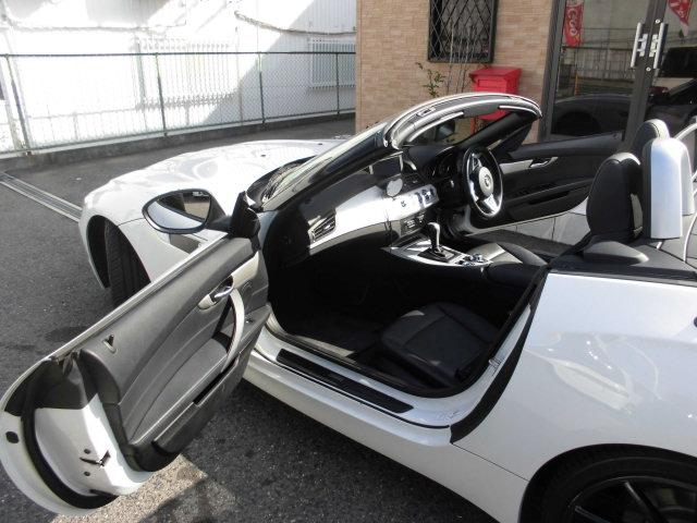 「BMW」「BMW Z4」「オープンカー」「大阪府」の中古車16