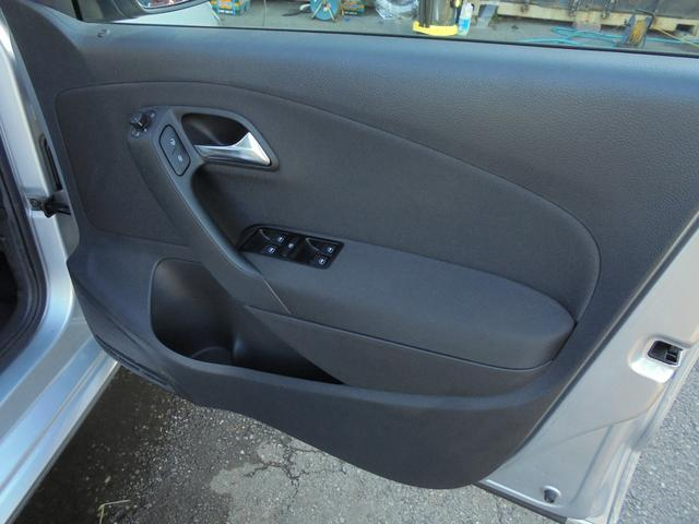 フォルクスワーゲン VW ポロ TSIコンフォートライン 禁煙車 ナビ 安心ロング無料保証付
