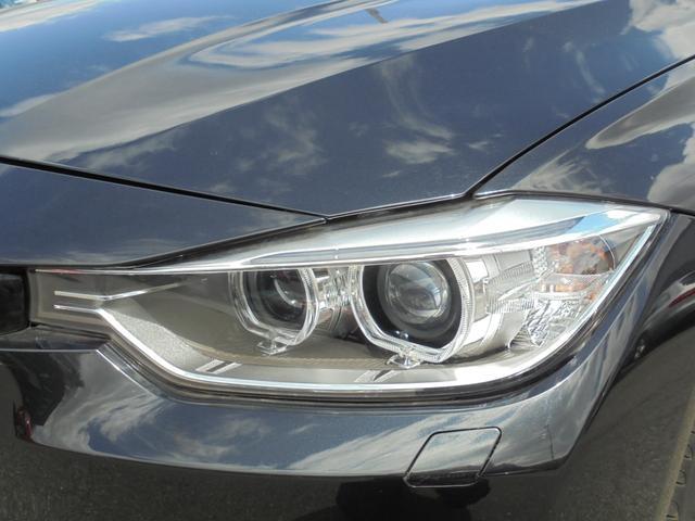 ヘッドライトも綺麗です。純正キセノンライトで明るく快適に運転していただけます。