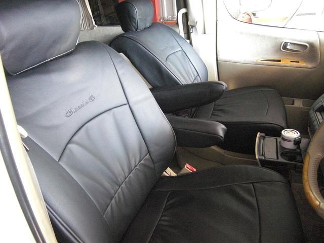オプションで、専用の黒レザーシートカバーも取り付け可能です☆シートの汚れもすぐに拭き取れ、室内もカッコ良くキマります☆ぜひご相談下さい♪