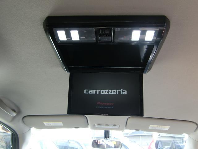 オプションで、ミニバンの必須アイテム!フリップダウンモニターの取り付けも可能です☆安心の国産モニターを取り付け致します♪