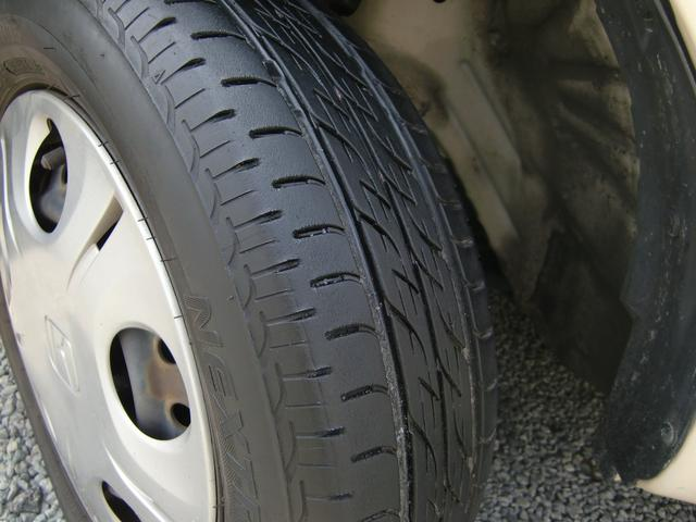 タイヤの溝は前後共に6分山程度残っています(>。<)♪
