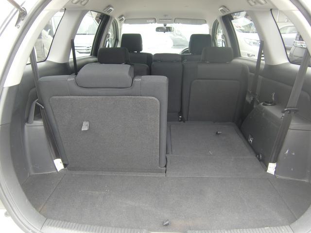 荷室も容量タップリ☆片側のシートだけの格納も可能です☆お荷物の積み具合によってお使い分け下さい☆
