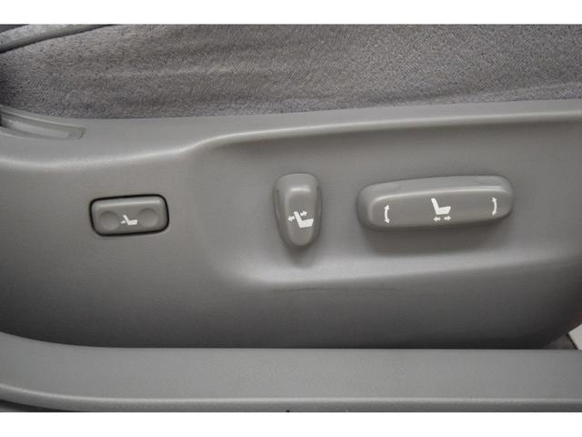 【パワーシート】座席の調整がすべて電動で行われます!!!お好みの位置へスムーズな変更が可能です!!!