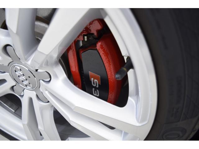 ベースグレード 2.0クワトロ レザーパッケージ レッドブレーキキャリパー 純フルセグナビBカメラ クリアランスソナー ETC 屋内保管車両 全国対応保証(20枚目)
