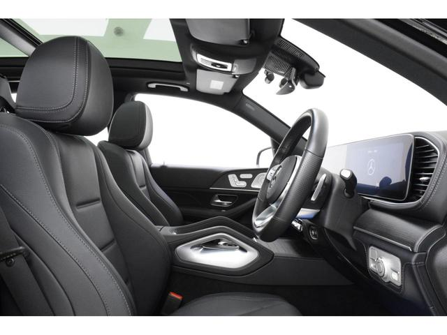 「GLE400d 4MATICスポーツ」ではナッパレザーのシート表皮が標準仕様となります。