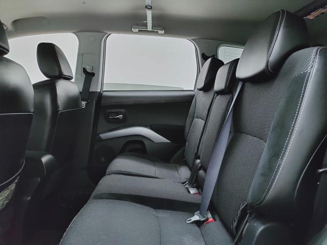 ローデスト20G 全国対応保証 HDDナビ バックカメラ ETC HID クルーズコントロール ハーフレザー 3列シート7人乗り 当店下取り直売車(13枚目)