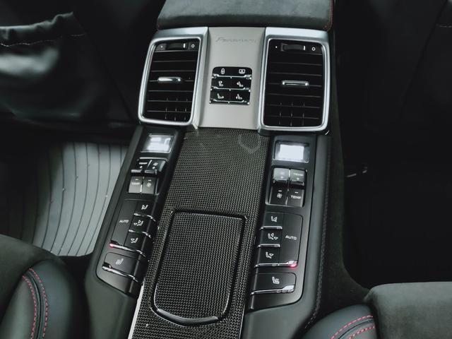 GTS 全国対応1年保証 当社管理顧客様車両 サンルーフ GTSアルカンターラコンビレザー全席ヒーター 追従 レーンキープ 911ターボII20AW スポクロ エアサス スマートエントリー スポエグ(22枚目)