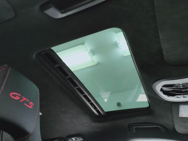 GTS 全国対応1年保証 当社管理顧客様車両 サンルーフ GTSアルカンターラコンビレザー全席ヒーター 追従 レーンキープ 911ターボII20AW スポクロ エアサス スマートエントリー スポエグ(24枚目)