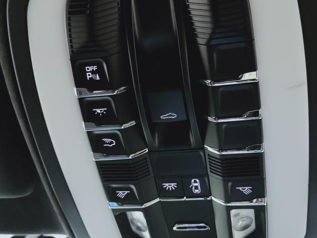 GTS 全国対応1年保証 当社管理顧客様車両 サンルーフ GTSアルカンターラコンビレザー全席ヒーター 追従 レーンキープ 911ターボII20AW スポクロ エアサス スマートエントリー スポエグ(36枚目)