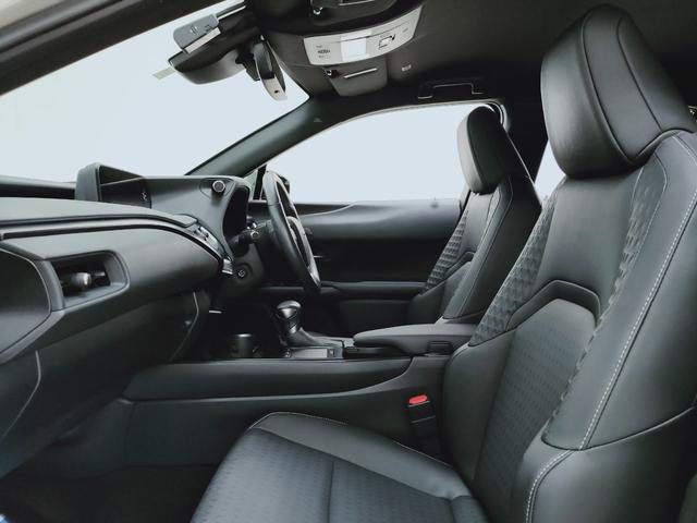 UX250h バージョンC プリクラ レーダークルーズ レーンキープ オートマチックハイビーム LTex黒革Pシートヒーター ハンドルヒーター 11.5フルセグナビ  三眼LED  コーナーS ドラレコ PWバックゲート BSM(11枚目)