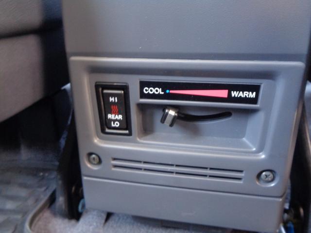 ☆後部座席にもエアコンあります!