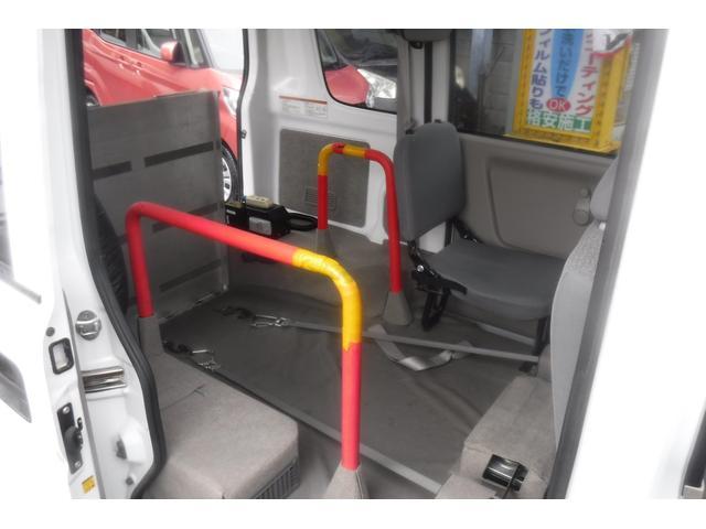 スローパー補助シート付4人乗3速AT ウインチ電動固定装置(18枚目)