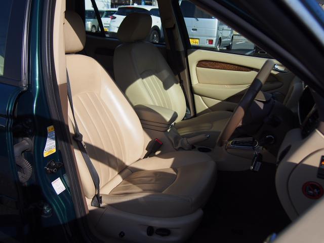 ジャガー ジャガー Xタイプ 2.5 V6 SE 革 ナビ 禁煙車