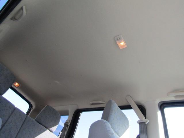 天井も高く広々車内!