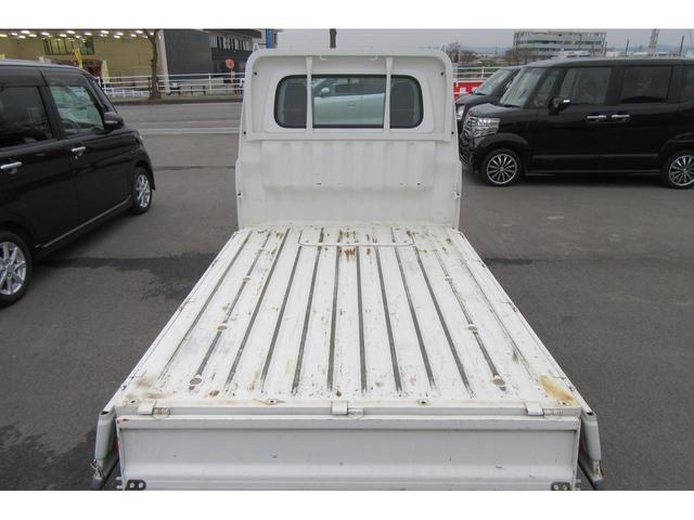 荷台は3方向に開きます!どの角度からでも積み下ろしが楽になります!