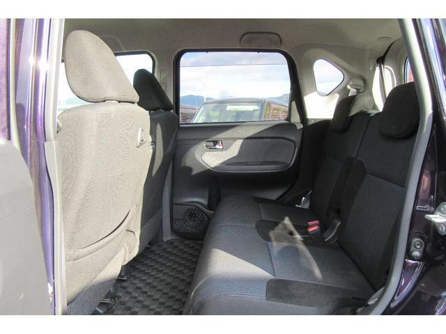 後部座席もしっかりとスペースが確保されています!