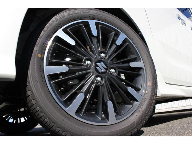 純正15インチアルミホイールを装備してます。タイヤサイズは165/55R15です。